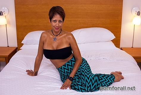 Rena (42 year old busty mixed Asian MILF / 03-07-2014 / E231) 720p